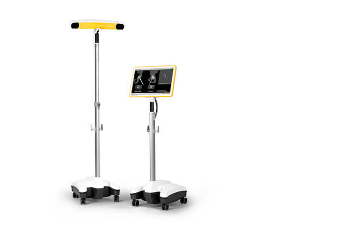 Surgical navigation system with infrared camera and touchscreen monitor cart