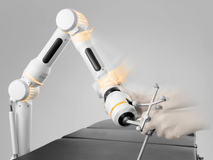 Cirq Surgical Assistant - Revolutionary Design